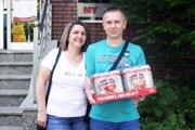 Po kartón piva Corgoň si prišiel Peter Lukáč z Lehoty (aj s priateľkou Jarkou).