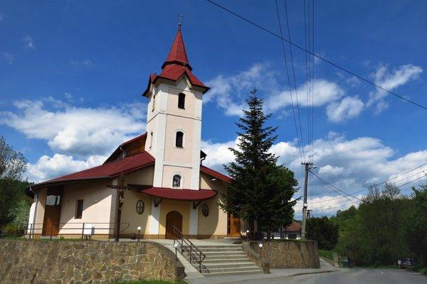 Kostol v Gregorovciach, v ktorom sa mali sobášiť Ján Kuciak a Martina Kušnírová.
