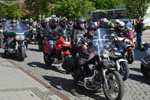 Motorkári sa po prvýkrát prešli humenskou pešou zónou.