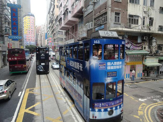 Poschodové električky v Hong Kongu.