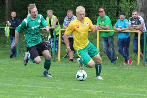 Július Chomistek bol v ofenzíve Dlhej nad Oravou najnebezpečnejším hráčom. Raz sa aj gólovo presadil.