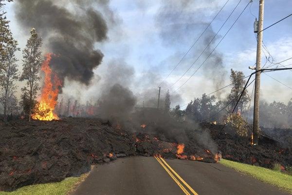 Erupcia môže trvať celé týždne, ba i mesiace.