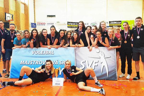 Volejbalistky COP Nitra získali na M-SR junioriek bronzové medaily.