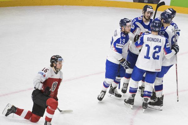 Slovenskí hokejisti zdolali Rakúsko 4:2.