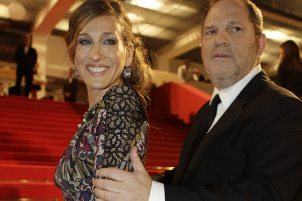 Harvey Weinstein a herečka Jessica Sarah Parker.