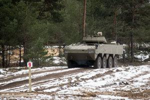 Prototyp slovensko-fínskeho obrneného transportéra ukázala armáda v decembri minulého roka.