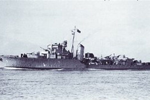 Na útoku sa zúčastnilo viac ako 600 námorníkov a Comandos.