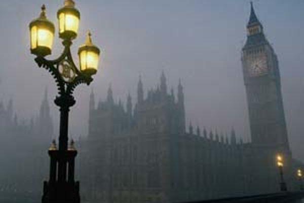Vodná para a dym z komínov sú neoodeliteľnou súčasťou Londýna.