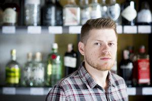 Martin Pagač začínal ako barman, teraz má kamennú predajňu s alkoholom.