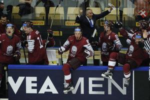 Radosť hokejistov Lotyšska z postupu do štvrťfinále.