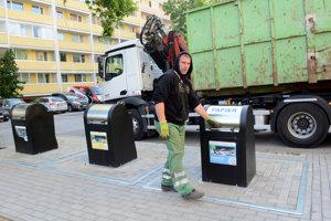 Podľa mestskej časti si ľudia novinku na smeti pochvaľujú.
