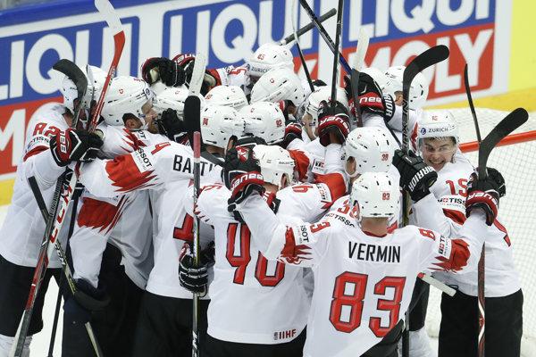 Švajčiari dokázali otočiť zápas a vyradili Fínsko.