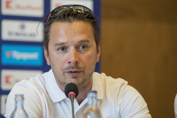 Tréner reprezentačnej osemnástky Viliam Čacho.
