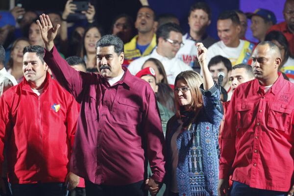 Maduro zložil prezidentský sľub. Druhé funkčné obdobie začne v januári