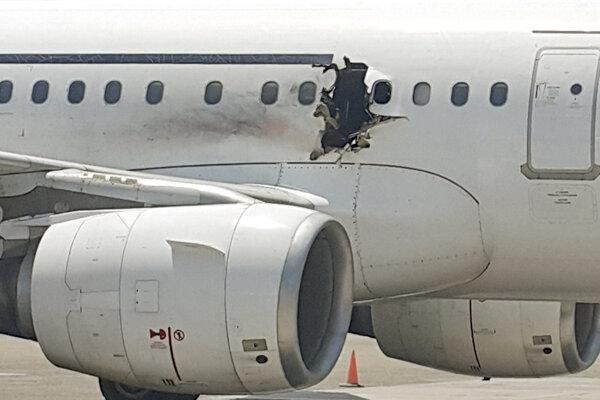 Bomba vybuchla 15 minút po štarte z Mogadiša vo výške približne 3000 metrov.