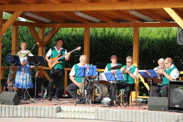 Osuská kapela reprezentuje obec.