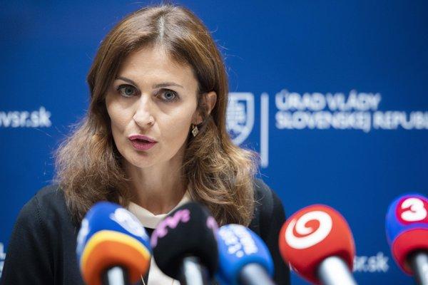 Podľa Kalavskej jedným z najdôležitejších krokov stabilizácia kľúčových zdravotníkov a zabezpečenie kvalitnej zdravotnej starostlivosti v NOÚ.