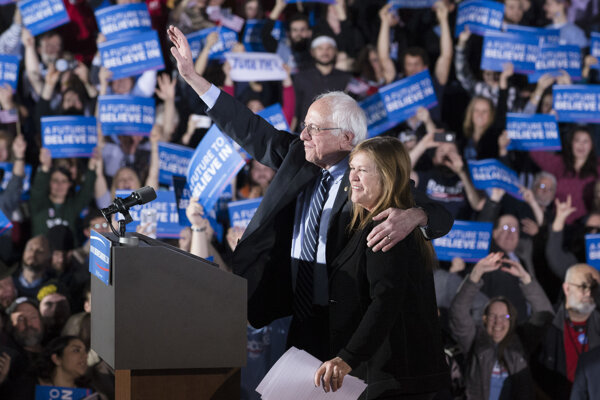 Bernie Sanders s manželkou.