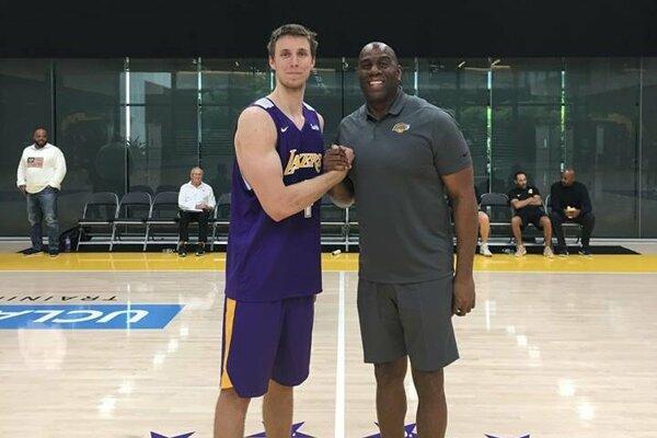 Vladimír Brodziansky v tréningovom centre Los Angeles Lakers.