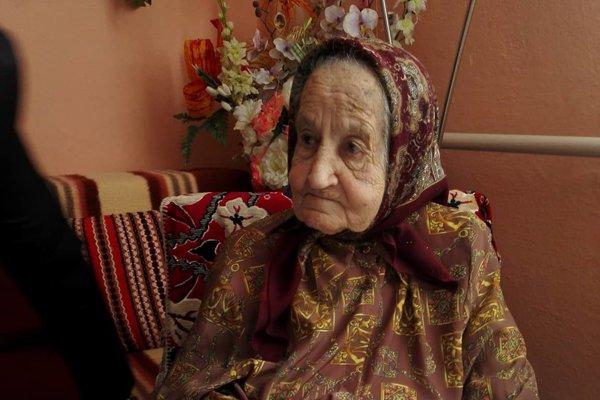 Helena Lastivková. Má už úctyhodných 102 rokov.