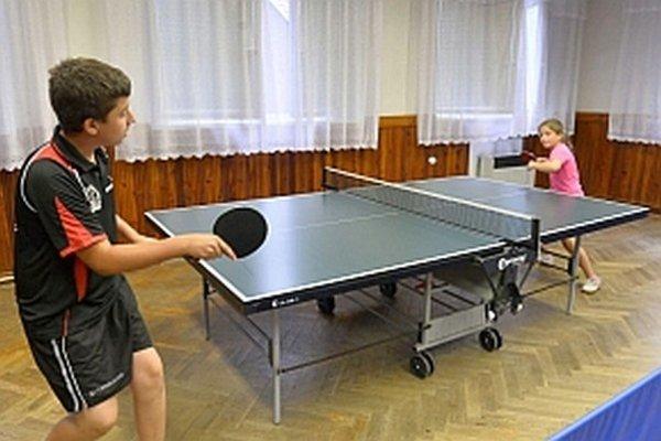 Stolnému tenisu sa venuje každý desiaty občan obce.