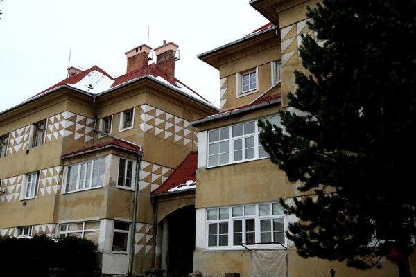 Dom Dušana Jurkoviča stojí v centre Zvolena.