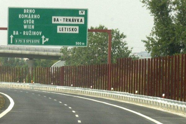 Diaľničný obchvat Bratislavy smerom na Senec.