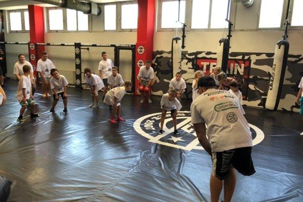 Deťom sa venoval aj profesionálny zápasník MMA Ľudovít Klein.