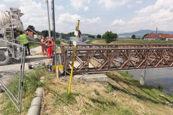 Most v Krškanoch rekonštruujú od mája.