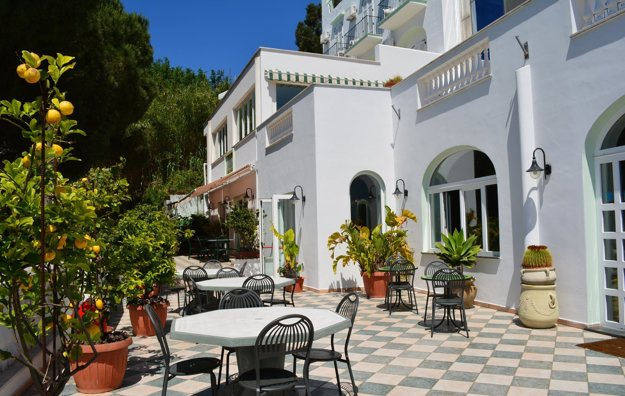 Hotel La Ginestra 3*