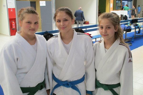 Zľava Bolda Zonga Sztankovics, Veronika Útisová a Bronislava Škorňová.