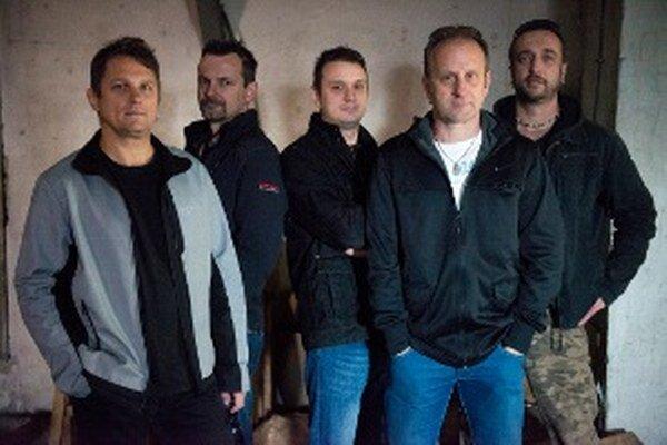 Skupina AYA pozýva na ďalší ročník Rockových Vianoc.