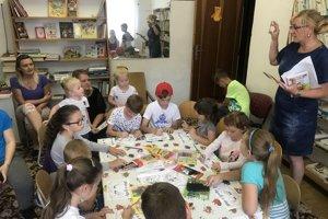 V miestnej knižnici čitali deťom