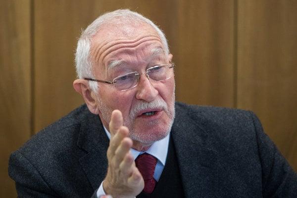 František Šebej.