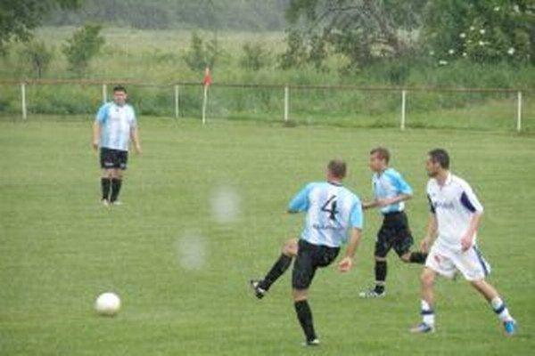 Šebešťanová (v modrom) prehrala rozhodujúci zápas s Borčicami B.