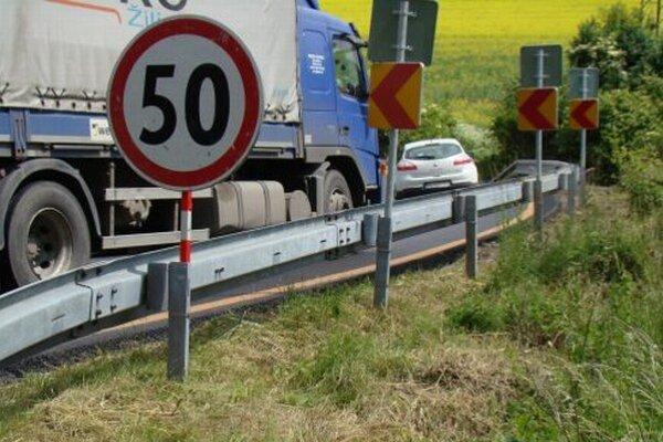 Obchádzková trasa je naprojektovaná na maximálnu povolenú rýchlosť 50 km/hod.