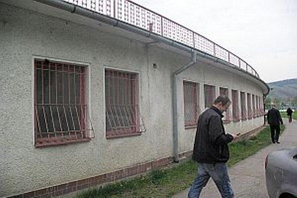Z Nálepkovej ulice sa sem po skončení rekonštrukcie presťahuje jednota dôchodcov.
