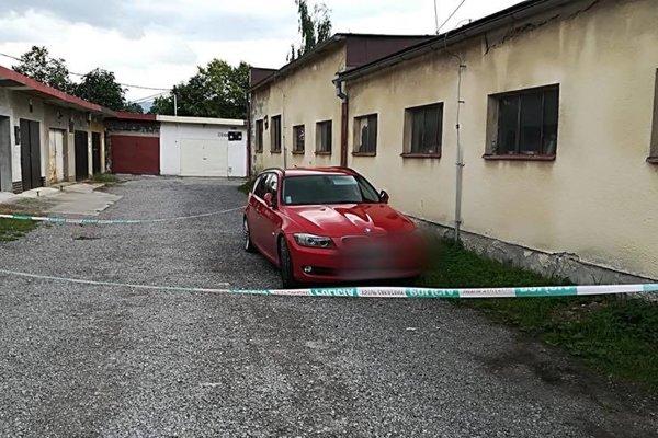 Matka nechala zavreté svoje dieťa v aute na parkovisku v Trstenej a odišla do nemocnice na vyšetrenie.