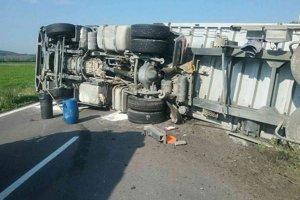 Ranná nehoda kamiónu.