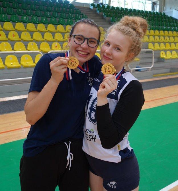 Kristína Laučíková (vpravo).