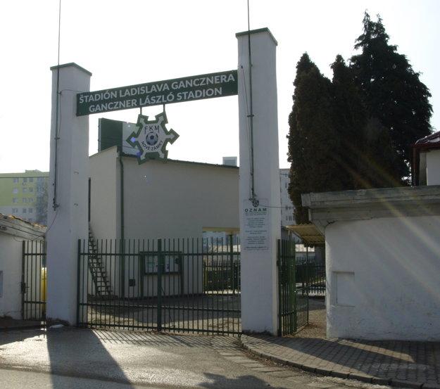 Futbalisti plánujú opustiť štadión Ladislava Gancznera.