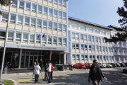 Hlavná budova UKF.