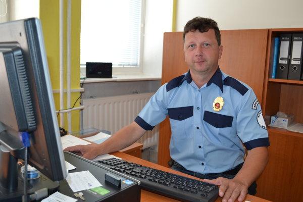 Martin Dimun je prvým náčelníkom Mestskej polície v Medzilaborciach.