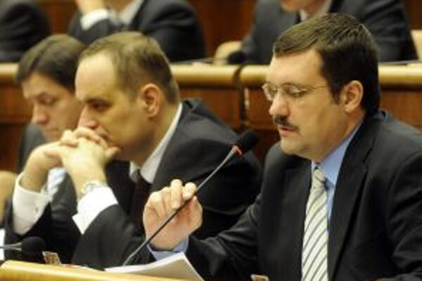 Poslanec Vilima Novotný. Jeho návrh nepodporili.