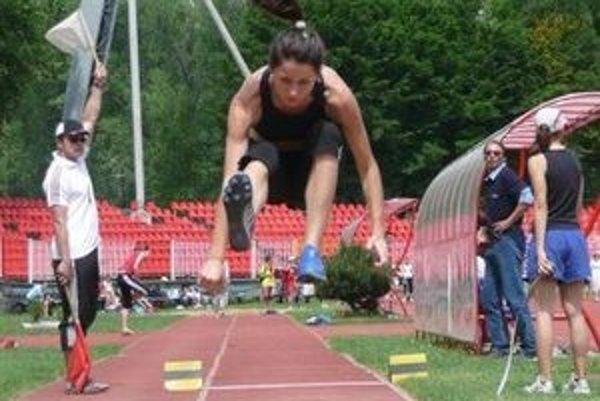 Viera Vatrtová získala bronz. v trojskoku dosiahla výkon 11,37 metra.