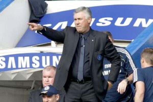Tréner Chelsea FC, Talian Carlo Ancelotti.