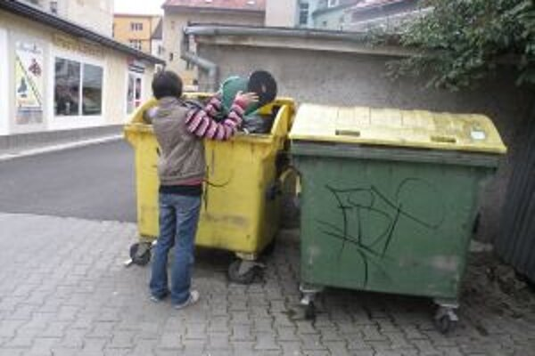 Za odpad v Žiline rodina poriadne zaplatí. Každý člen domácnosti platí plnú sumu.