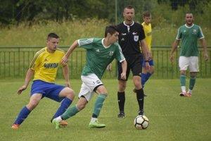 Zborov nad Bystricou (v zelenom) prehral doma s Belou.