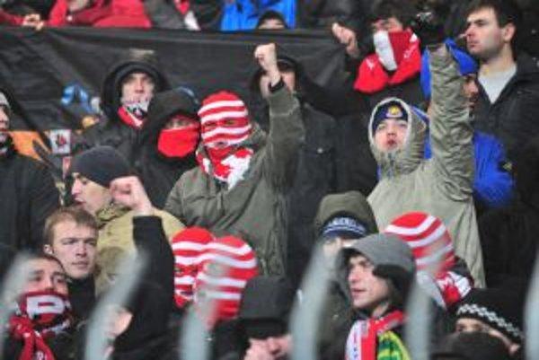 Moskovskí chuligáni neprišli kvôli futbalu.