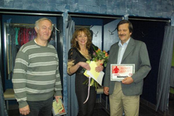 Traja ocenení. Zľava F. Garabik, A. Michálková, L. Németh